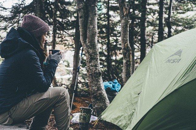 kamp oprema šotor
