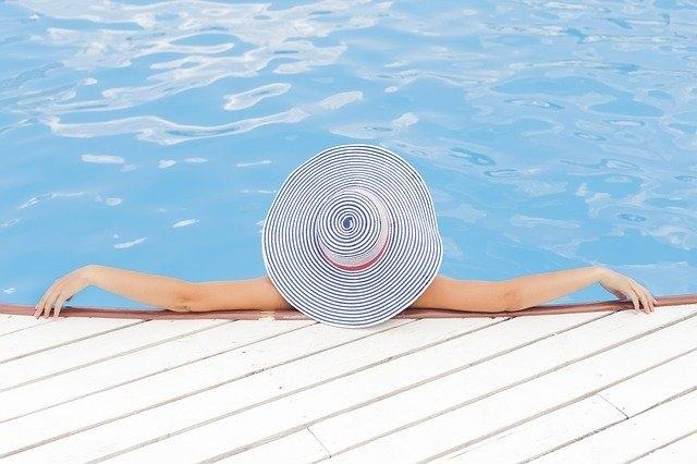 Vgradni ali samostoječi bazeni – kakšne so prednosti in slabosti?