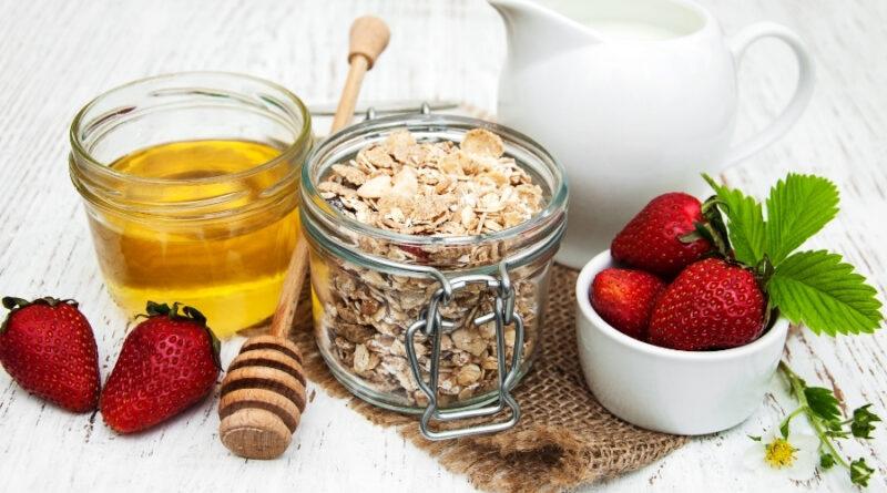 Zdrav in hiter zajtrk s kosmiči po vašem okusu